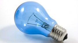 Nuove lampade a LED per chi rottama le vecchie lampadine al punto Enel di Parma