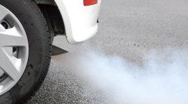Le emissioni di CO2 delle automobili in Europa continuano a calare